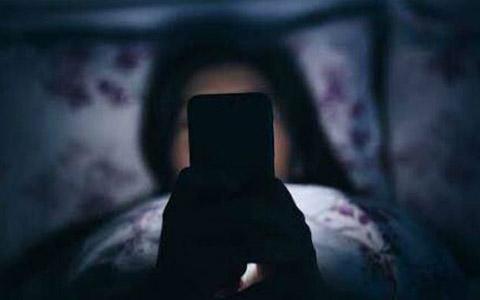 اعتیاد به اینترنت در جوانان، نگرانی دائم والدین