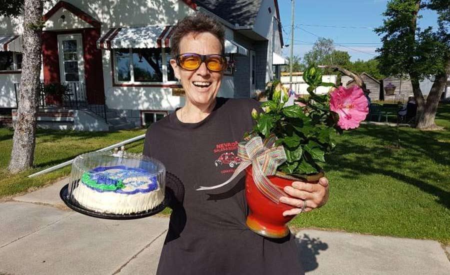 سورپرایز تولد از دستان یک مرد غریبه