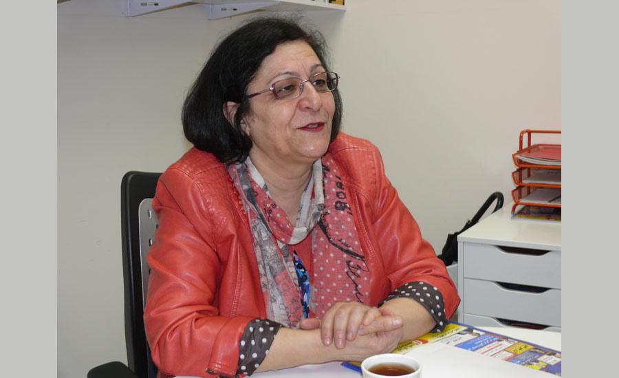با مینا احدی کنشگر سیاسی و مدافع حقوق زنان/ گفت وگو: نسرین الماسی
