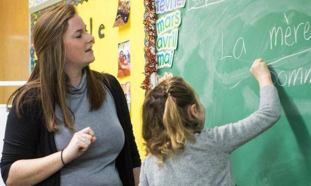 مژده به علاقمندان به شغل معلمی: انتاریو با کمبود معلم فرانسه مواجه است