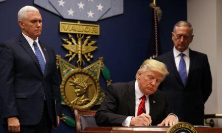 دیوان عالی آمریکا درباره ی منع صدور روادید به نفع دونالد ترامپ رای داد