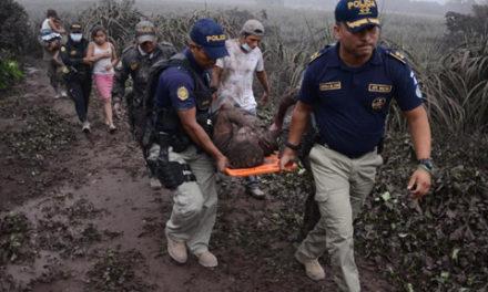 شمار کشته شدگان آتشفشان گواتمالا به ۷۰ نفر رسید