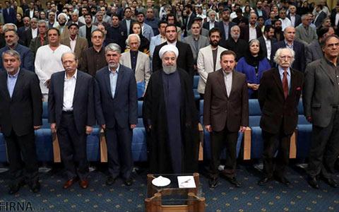 طنزنوشته های ریزودرشت/۶۴/میرزاتقی خان