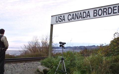 """اشتباه بانک """"تی دی"""" و بلوکه شدن ۵۰۰۰۰۰ دلار در مرز آمریکا و کانادا"""