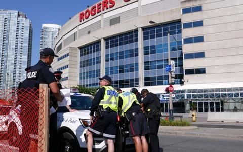 پلیس تورنتو: آسوده رفت و آمد کنید، شهر در امن و امان است