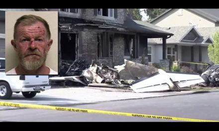 مرد عصبانی با هواپیما به خانه ی خودش حمله کرد