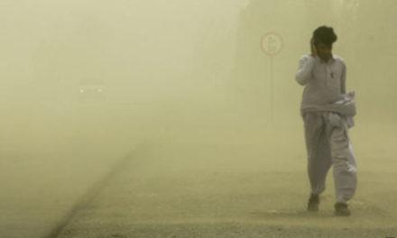 توفان، ریزگردها و آلودگی هوا ۹۵ نفر را در سیستان و بلوچستان روانه بیمارستان کرد