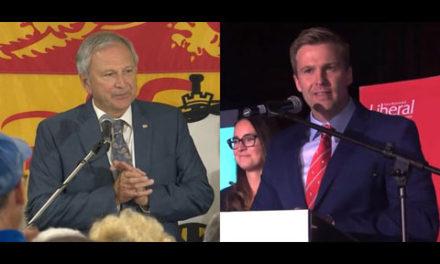 در نیوبرانزویک محافظه کاران ۲۲ و لیبرال ها ۲۱ کرسی به دست آوردند