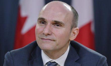 """رونمایی از قانون جدید """"مباره با فقر"""" توسط دولت لیبرال فدرال کانادا"""