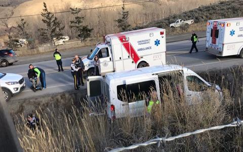 دوازده دانشجو در تصادف اتوبوس بریتیش کلمبیا مجروح شدند
