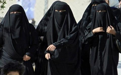 طرفداری اکثریت مردم کبک از ممنوعیت حجاب و نمادهای مذهبی