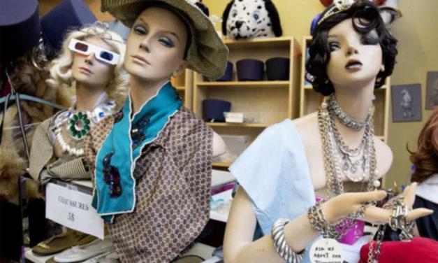 یکی از قدیمی ترین فروشگاه های لباس پس از ۱۱۵ سال بسته شد