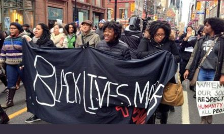 پلیس تورنتو در برخوردش با سیاه پوستان متعصبانه برخورد کرده است