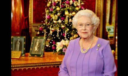 اولین پیام تبریک کریسمس ملکه الیزابت دوم بدون کمک مشاوران