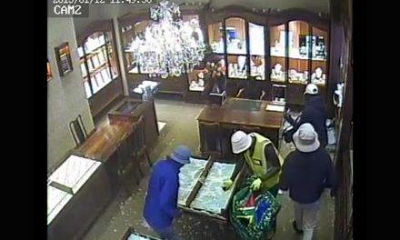 سرقت مسلحانه از جواهری در مرکز خرید مارک ویل در مارکهام