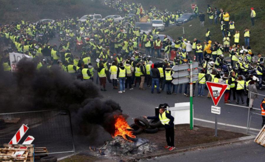 شورش های خیابانی در فرانسه بالا گرفته است