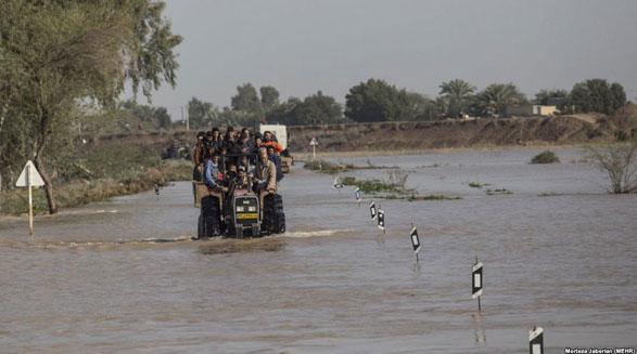 ۲۰ استان ایران درگیر سیل، طوفان و کولاک شد