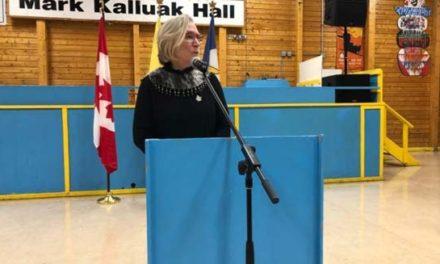 معذرت خواهی دولت فدرال کانادا به دلیل جابجایی مردمان بومی Ahiarmiut از محل زندگی شان