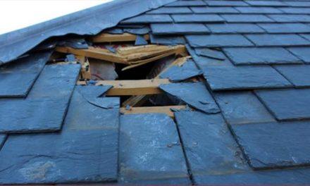 سقوط یخ از هواپیما سقف خانه ای را در می سی ساگا خراب کرد