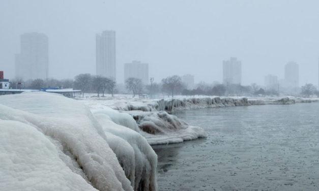 سرمای قطبی بخشهایی از آمریکا را فراگرفت؛ دستکم ۱۲نفر جان باختند