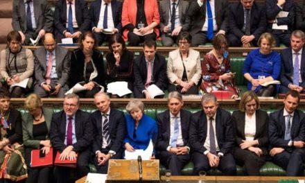 دولت «ترزا می» از پارلمان بریتانیا رای اعتماد گرفت