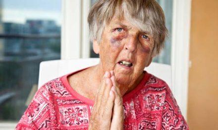 ساکنان خانه های سالمندان انتاریو به یکدیگر آسیب می زنند