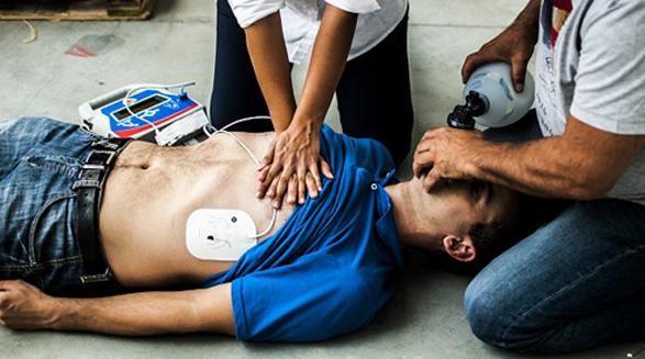 CPR و احیاء بیماران ایست قلبی/دکتر خسرو نیستانی