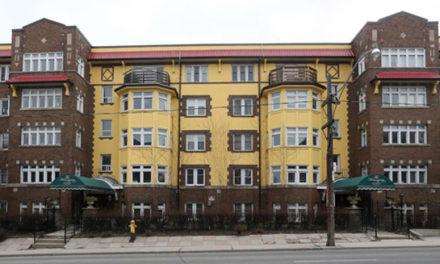 اقامتگاه همینگوی در تورنتو کمتر از یک میلیون دلار به فروش می رسد