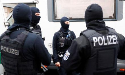 پلیس آلمان به چند مرکز اسلامی به ظن حمایت مالی از گروه حماس حمله کرد