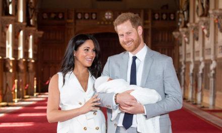 کودک سلطنتی بریتانیا جلوی دوربین آمد؛ این نوزاد چه تفاوتهایی با سایر خاندان سلطنتی دارد؟