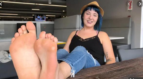 اگر سایز پاهای شما هم متفاوت است این داستان را بخوانید