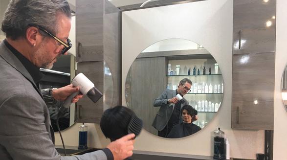 مشتری و آرایشگر خواهر برادر ناتنی شدند