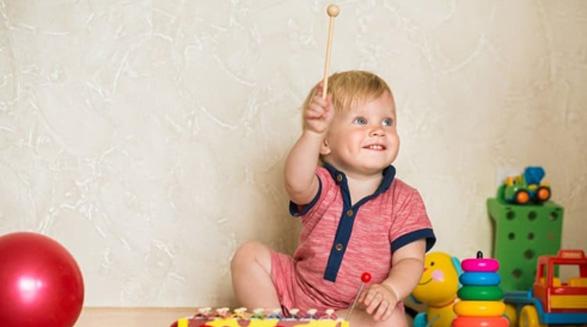 چگونه توانایی های کودک یک ساله را تشخیص دهیم/دکتر خسرو نیستانی