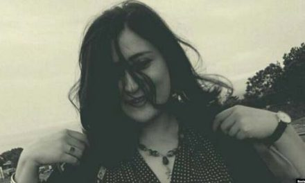 عاطفه رنگریز فعال مدنی در اعتراض به روند ناعادلانه رسیدگی به پروندهاش در زندان اعتصاب کرد