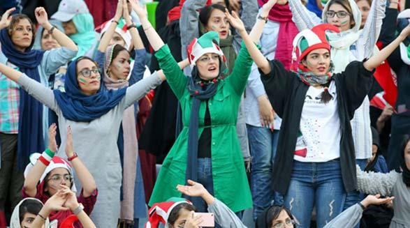 بازتاب نخستین حضور زنان ایران در ورزشگاه پس از چهار دهه ممنوعیت در رسانههای خارجی