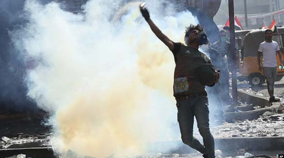 اعتراضات شبانه در بغداد ۴ کشته و ۴۴ زخمی برجای گذاشت