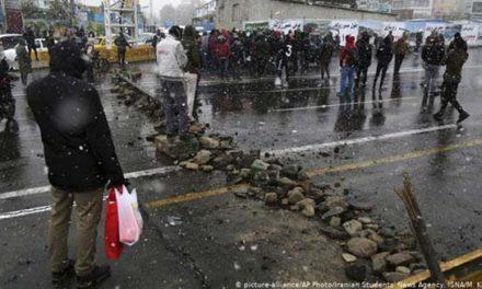 """دفاع  از خود """"خشونت"""" نیست/مسعود نقره کار"""