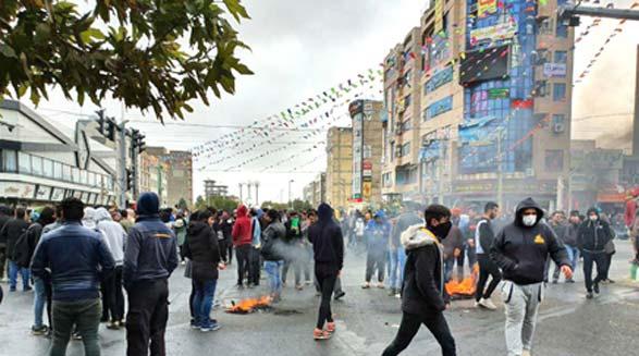 تقویت قدرت مردم در ایران وظیفه ماست