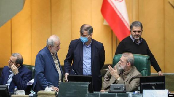 یک نماینده فاش کرد که «ترس از کرونا» مانع تصویب کلیات بودجه در مجلس شد
