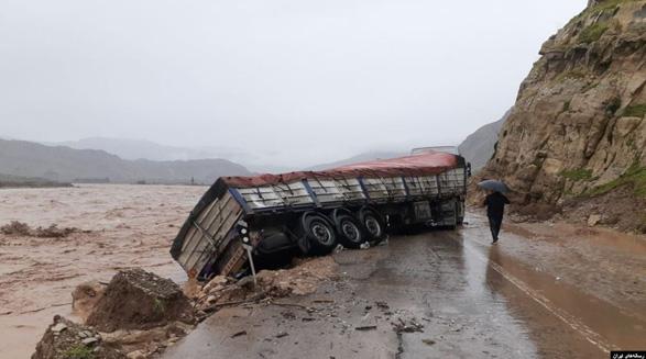راه ارتباطی ۱۷۴ روستا در لرستان قطع شد