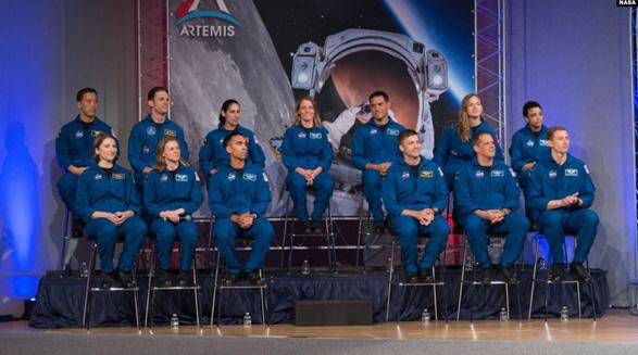 پنتاگون به مناسبت روز جهانی زن به موفقیت یاسمین مقبلی، نخستین فضانورد ایرانیتبار ناسا اشاره کرد
