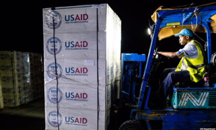کمک مالی آمریکا به ۶۴ کشور برای مقابله با کرونا؛ ایران و کرهشمالی پیشنهاد کمک را رد کردهاند!