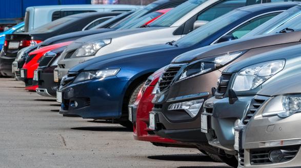 """عملکرد شرکتهای بیمه برای تخفیف بیمه اتومبیل در زمان """"کووید ۱۹″/فرهاد فرسادی"""