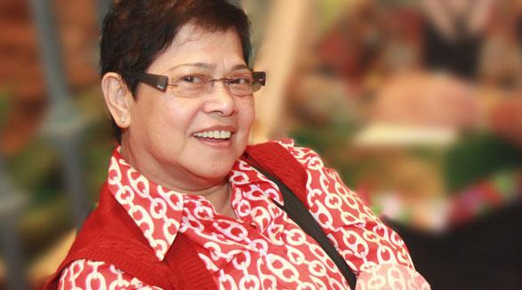 یک گفت و گو با شاعر فیلیپینی روث الینیا مابانگلو/عزت گوشه گیر