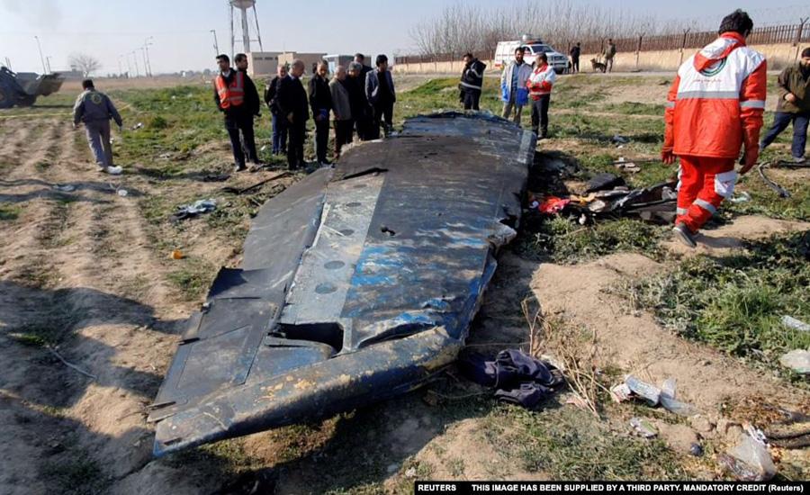 درخواست خانوادههای قربانیان هواپیمای اوکراینی از شرکتهای هواپیمایی: از پرواز در آسمان ایران خودداری کنید
