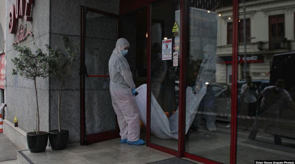 جسد قاضی غلامرضا منصوری بیرون هتلی در رومانی پیدا شد