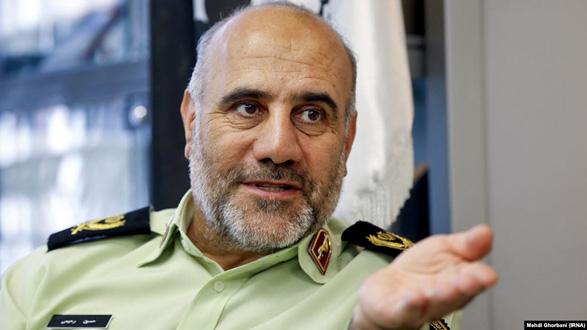 واکنش رحیمی به منتقدان تحقیر و ضربوشتم خیابانی متهمان: ادای روشنفکری درمیآورند