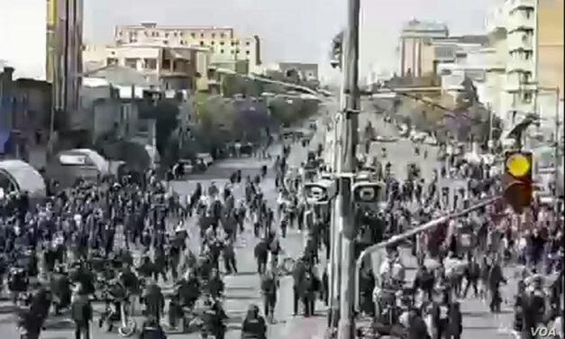 عفو بین الملل اسناد کشتار معترضان و اطلاعات قطع اینترنت در اعتراضات سال گذشته را ارایه کرد